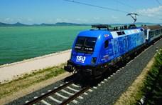 Szombattól több vonatot indít a Balatonra a MÁV-Start