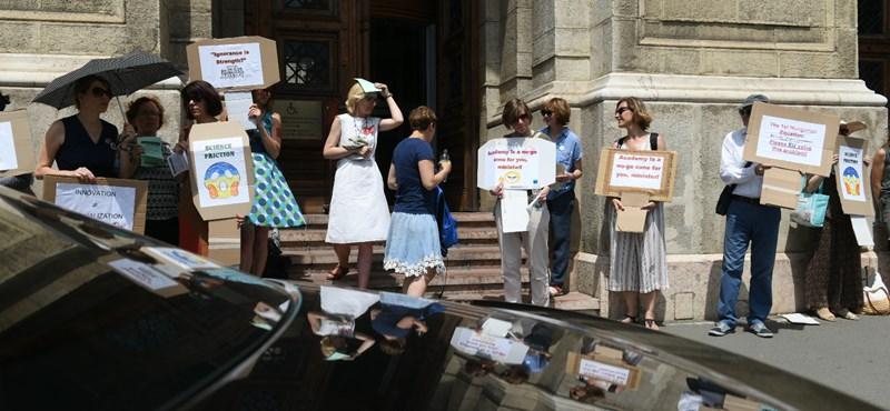 Tüntetés lesz kedden az MTA szabadságáért