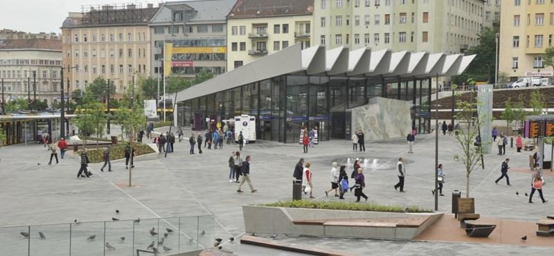 Széll Kálmán tér: a tömegek gázadása