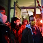 Fennmarad a blokád az SZFE-n, a hallgatók visszafoglalták az Ódry Színpadot