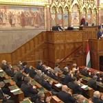 Jövő héten szavaz a parlament a veszélyhelyzet meghosszabbításáról