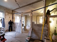 Garázsépítésre, klímára, vagy napkollektorra is költhető az otthonfelújítási támogatás