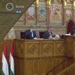 Tényleg száműzik a köztévéből a parlamenti közvetítéseket