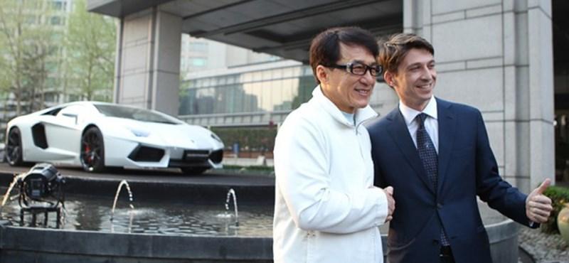 Egyedi Lamborghini Aventador Jackie Chan tiszteletére