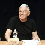 Bajban a Vígszínház: nyakukon lenne egy Marton rendezés premierje