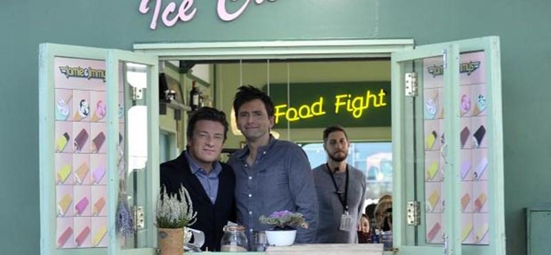 Betörtek Jamie Oliverhez