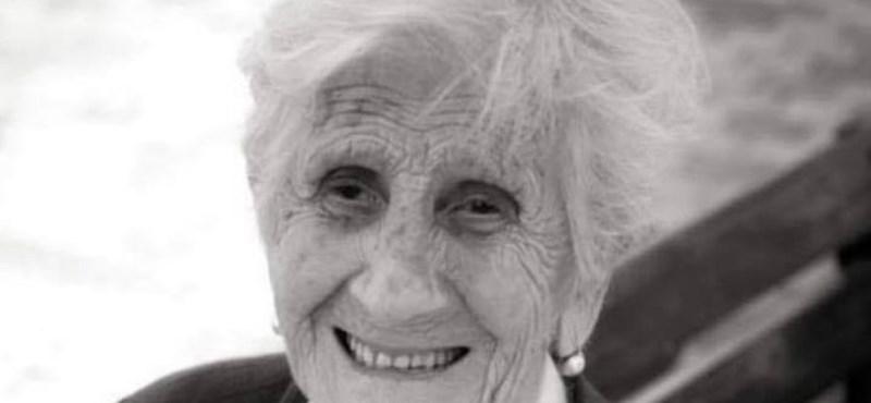 1913-ban született, most beoltatta magát a koronavírus ellen