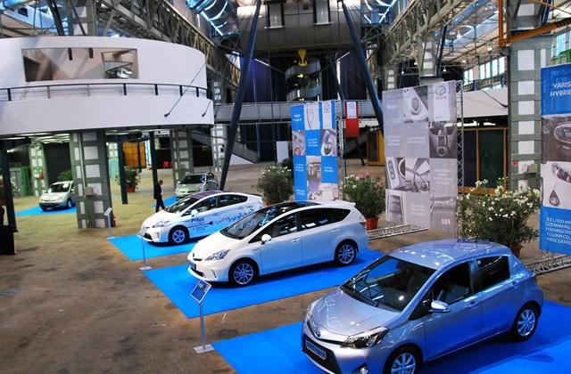 A család három új tagja: Yaris Hybrid, Prius+,Prius Plug-in