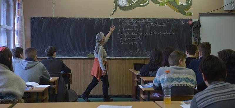 Utcára viszi a tanárokat a PSZ