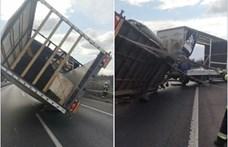 Megborított a szél egy teherautót az M7-esen