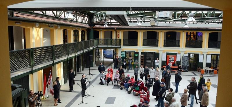 Ez lesz ám a csata: Tiborcz köre verseng Gerendaival a Kolosy téri piacért