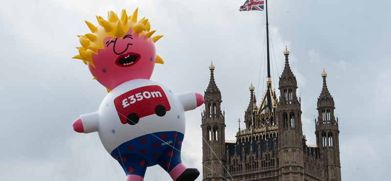 A brit Munkáspárt nekimegy Boris Johnsonnak