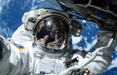 Elhalasztotta a NASA az első női űrsétát, mert nem volt elég ruha