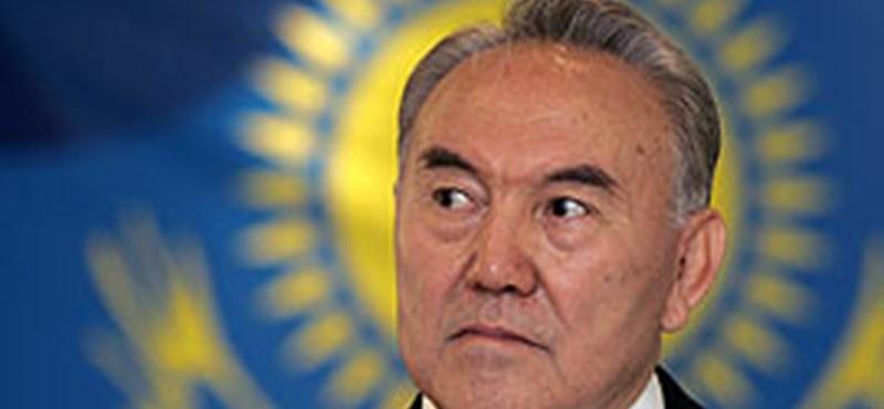 Nazarbajev nyerte a Nazarbajev-választást Kazahsztánban