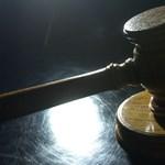 Becsületrendes adócsaló a vádlottak padján