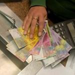 A kormány 200 forint alatti svájci frankot akar, de nem tudni, hogyan