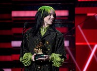 Billie Eilish tarolta le a Grammy-díjkiosztót