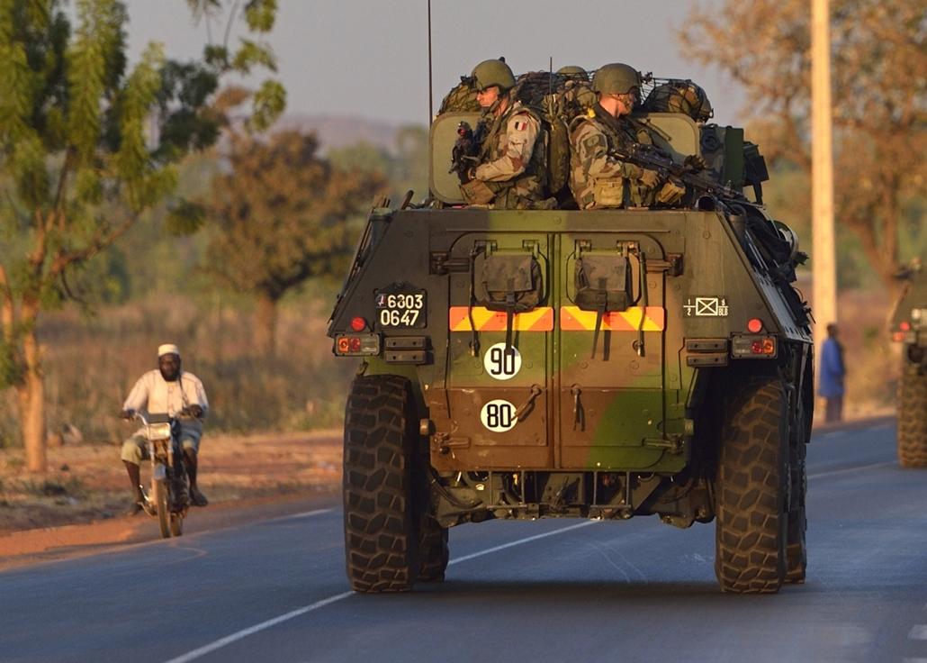 Malinagyítás afp, Mali, algéria, francia beavatkozás - francia katonák, bamako