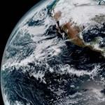 Remek fotókat készít a Földről a NASA új, időjárást figyelő űrszondája