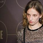 Magyar származású nővel randizgat Jennifer Aniston exférje