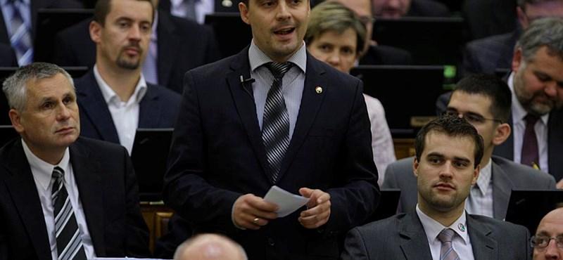 Jobbik: ez egyértelműen megszorítás