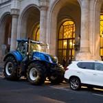 Pálfordulás: Traktorok ezrei helyett csupán egy állt a Vigadó előtt