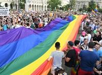 Könnygázzal oszlatták az ellentüntetőket egy lengyel melegfelvonuláson