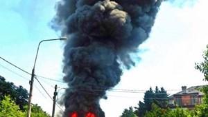 Nagy lánggal és füsttel égett Óbudán egy busz