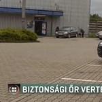 Gumibottal vert meg egy biztonsági őr egy férfit Kaposváron - videó