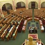 Kirobbanó érdeklődés az oktatás iránt a parlamentben - ja, nem