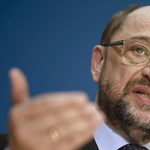 Merkel kihívója már a közös EU-s pénzügyminiszterről egyeztet Macronnal