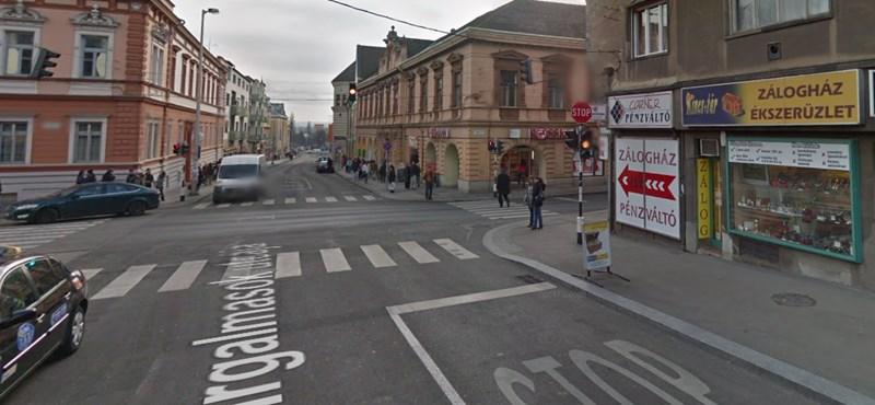 Zsírdugó miatt bénulhat meg a forgalom a pécsi belvárosban