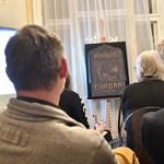 Fotók: Klimt-domborművet találhattak egy nagykörúti lakásban