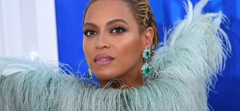 Beyoncé kiütéssel nyert a giccses ruhák versenyén