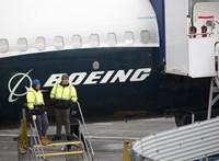 Gigantikus összeget bukott a Boeing a 737 MAX-ok miatt