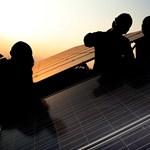 Változik az elszámolás, a jövőben az is fizethet villanyszámlát, akinek napelem van a háztetőjén