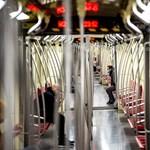 Baleset miatt nem jár a 2-es metró