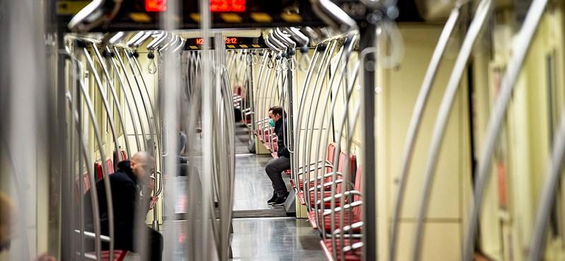 Beesett egy ember a 2-es metró alá a Deák téren
