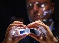 """Oroszország engedélyezné a """"véres gyémántok"""" exportját"""