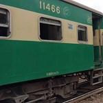 Összeütközött két vonat Pakisztánban, legalább 30-an meghaltak