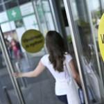 Munkaadók: 50 százalékos bérpótlékot kell fizetni a vasárnapokra