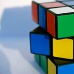 Így rakja ki az okostelefon a Rubik-kockát