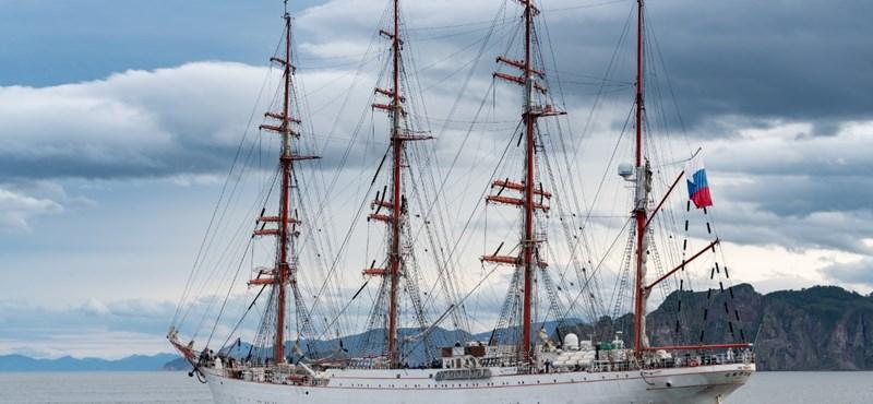 Úgy szelt át három északi tengert egy vitorlás, hogy a jégnek nyoma sem volt