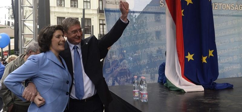 Úgy kell Dobrev Klára a Fidesznek, mint ezer kődobáló férfi Röszkére