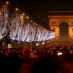 Nyilvános vécék és karácsonyfák a francia megszorítások áldozatai