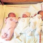 Sokkal kevesebb gyerek született idén, mint egy éve