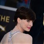 Anne Hathaway megint romantikus vígjátékon dolgozik