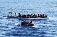 Máltán szállhatnak partra a mentőhajón rekedt menekültek