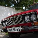 Piros, mint a Mikulás: 5,5 millió forint a legdrágább eladó régi itthoni Lada