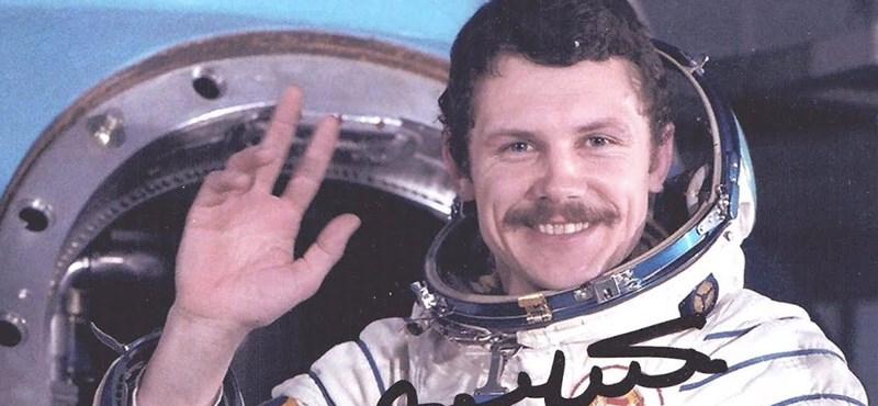 Farkas Bertalan a tévé előtt ujjongott, amikor Armstrong a Holdra lépett